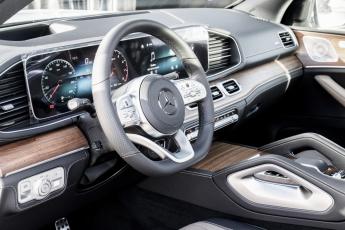 Mercedes_GLS_2