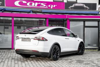 Tesla_ModelS_1